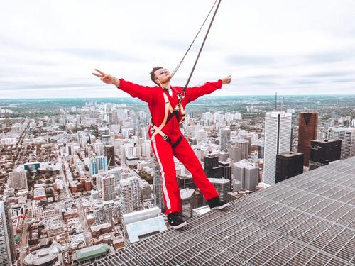 Edge Walk e CN Tower: aventura radical em Toronto!